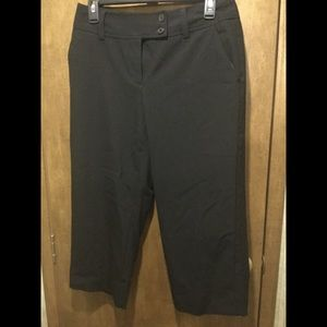 Black Worthington cropped dress pants